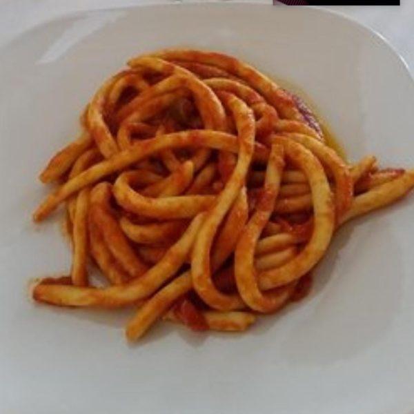 MACCHERONI FATTI A MANO IN SALSA PICCANTE
